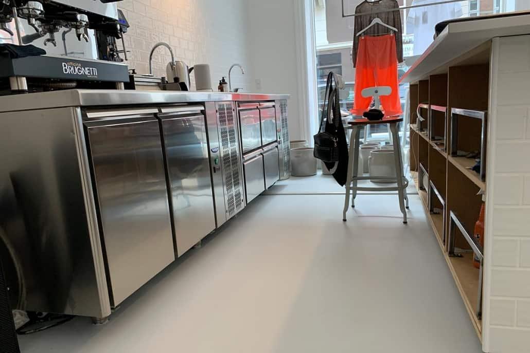 Polyurethangulv i caféens køkken